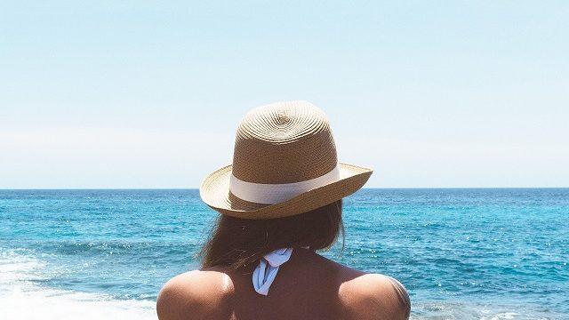 海 サーフィン 後姿 サーフ女子